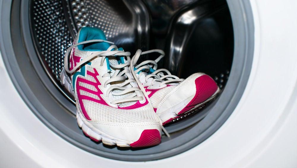 Zapatillas en la lavadora