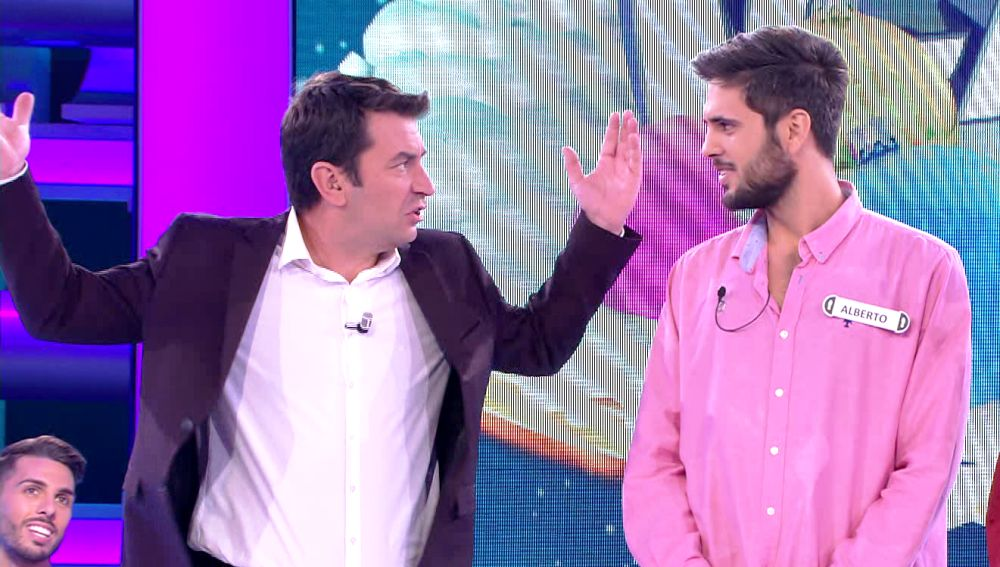Duelo de chistes futboleros entre Arturo Valls y Alberto en '¡Ahora caigo!'