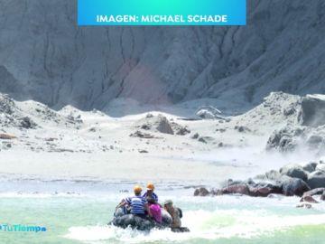 Espectaculares imágenes del volcán Whakaari que ha dejado al menos cinco muertos en Nueva Zelanda
