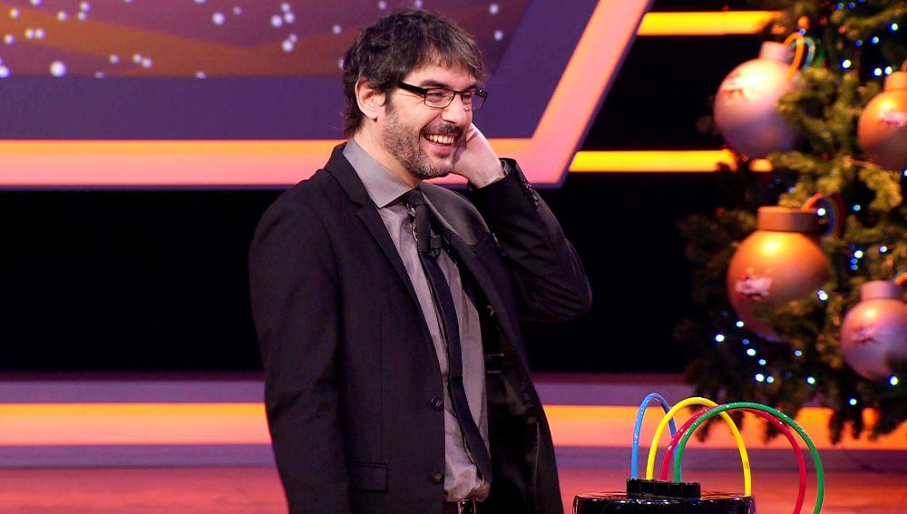 El ataque de risa de Juanra Bonet por el público tan entusiasta con un concursante de '¡Boom!'