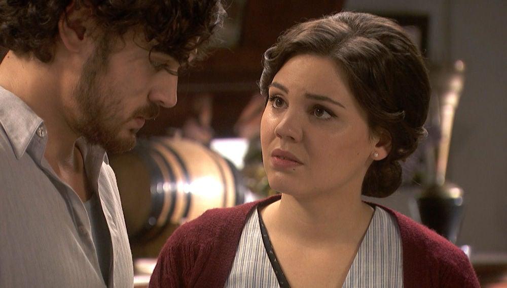 Matías se desnuda ante Marcela para contarle todos sus secretos