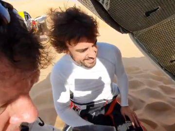 Fernando Alonso, reparando su Toyota