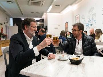 Mariano Rajoy y Pablo Motos se marchan en directo de 'El Hormiguero 3.0' para ir a tomar cerveza a un bar