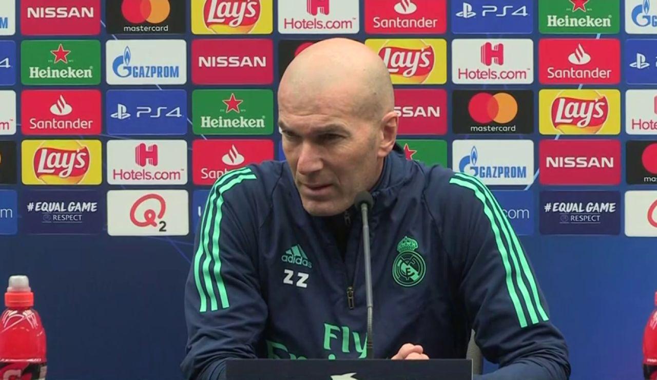 """Zidane: """"No sé si tienen que operar a Hazard"""""""