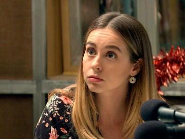 Luisita presiona a Marina para que decida si quiere casarse o no