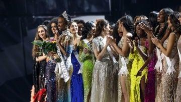 Zozibini Tunzi, en el certamen de Miss Universo 2019