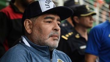 Diego Armando Maradona durante un partido del Club de Gimnasia y Esgrima La Plata