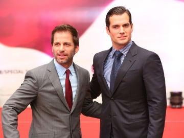 Zack Snyder y Henry Cavill (Superman)