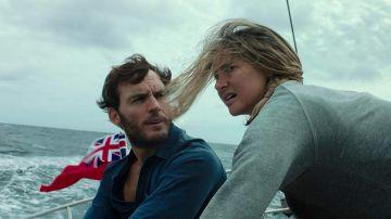 Sam Claflin y Shailene Woodley en 'A la deriva'