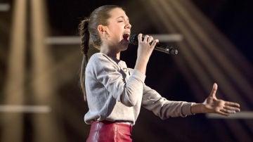 Patricia García canta 'A que no me dejas' en la Semifinal de 'La Voz Kids'
