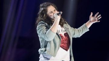 Isabel Marsal canta 'Lía' en la Semifinal de 'La Voz Kids'