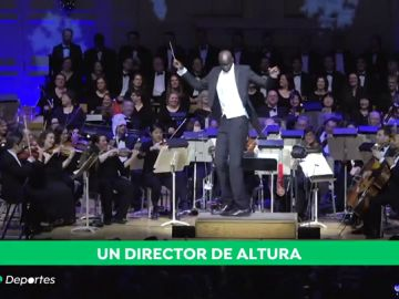 Tacko Fall coge la batuta de la Boston Pops Orchestra