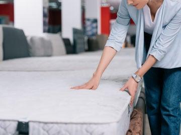 Se recomienda cambiar de colchón cada diez años
