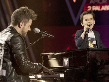 Pablo López y Daniel García, el dúo más esperado en 'La Voz Kids', se suben al escenario para cantar 'Dos palabras' en la Gran Final