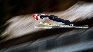 Markus Eisenbichler, en acción en los saltos de esquí de Año Nuevo en 2019
