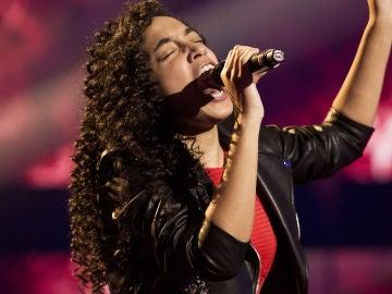 Aysha Bengoetxea canta 'Shallow' en la Gran Final de 'La Voz Kids'