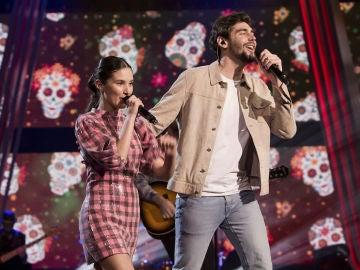 Deliciosa interpretación con Álvaro Soler e Irene Gil cantando 'Loca' en la Gran Final de 'La Voz Kids'