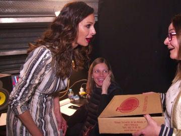 El regalo más dulce a Eva González de una fan malagueña de 'La Voz Kids'