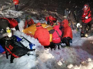 Milagroso rescate a un esquiador a 2000 metros de altura