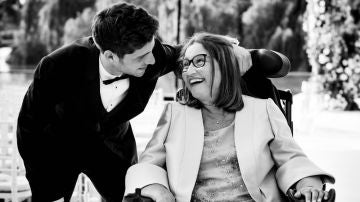 Imagen de Sergi Roberto junto a madre.
