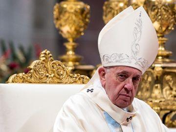 Interceptan una carta con 3 balas dirigida al Papa Francisc