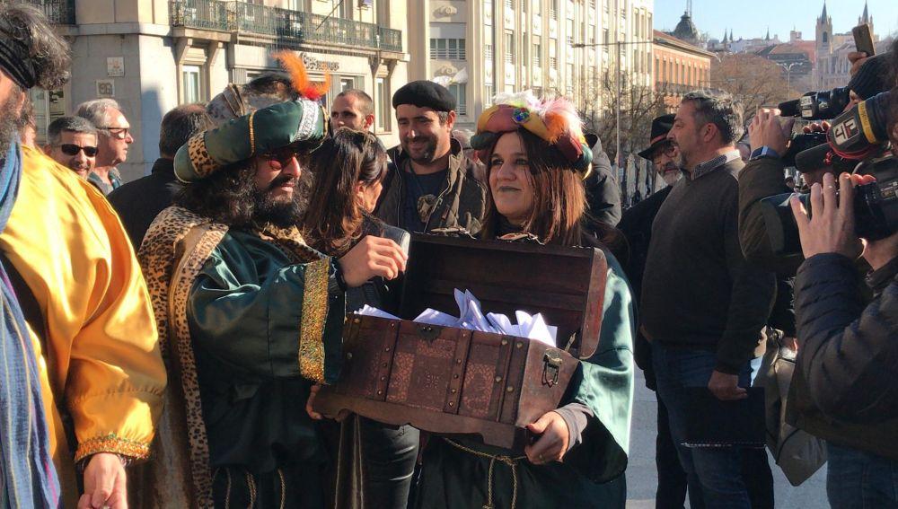 Entregan 2.500 cartas para conseguir un tren digno a Extremadura