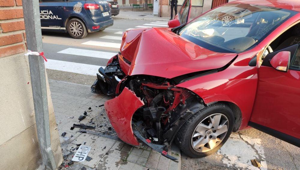Imagen del coche que conducía un menor sin licencia