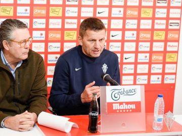 Djukic y Maestro en la rueda de prensa después del entreno