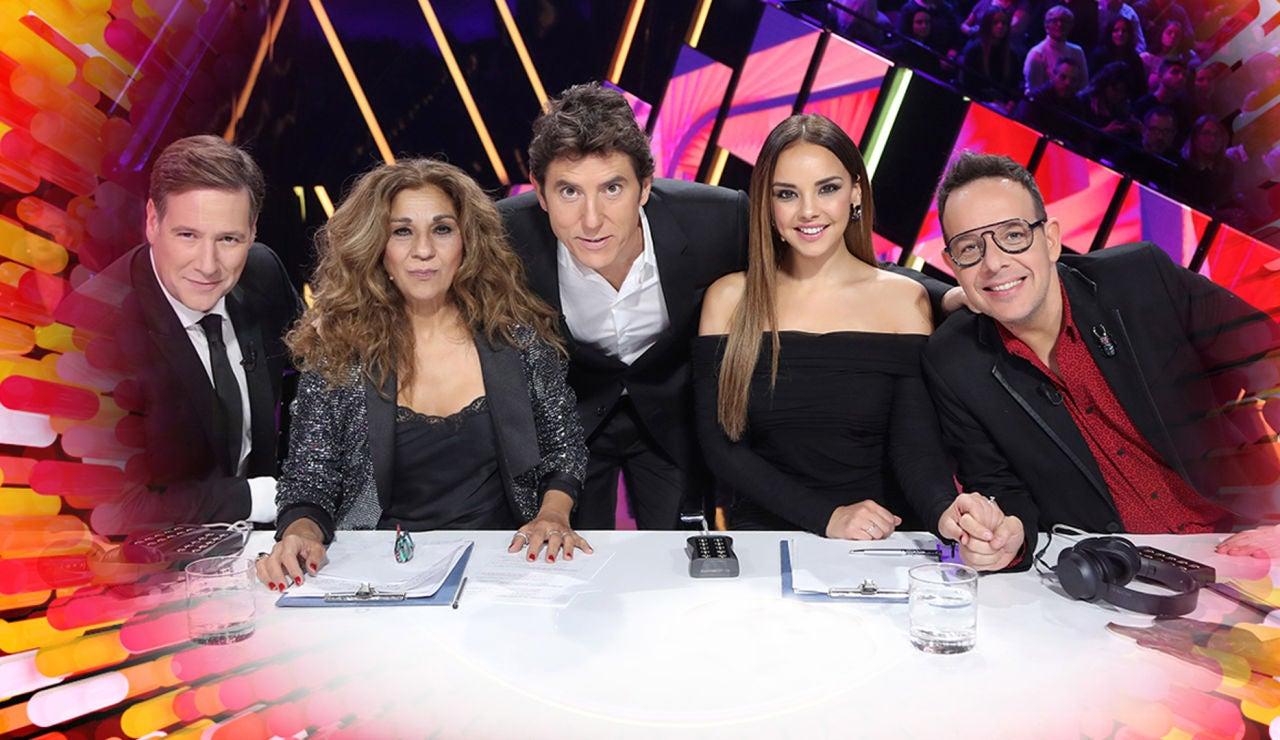 Manel Fuentes junto al jurado de 'Tu cara me suena' 8