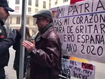 """El detenido en Ferraz no fue reducido por decir """"Viva España"""", como señala Abascal"""