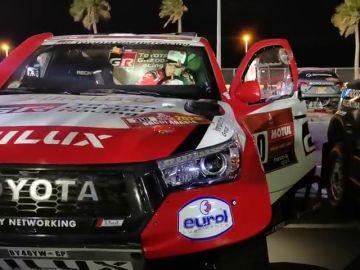 El primer susto de Fernando Alonso en el Dakar: su coche no arrancó a la primera