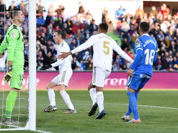 Varane celebra su gol ante el Getafe