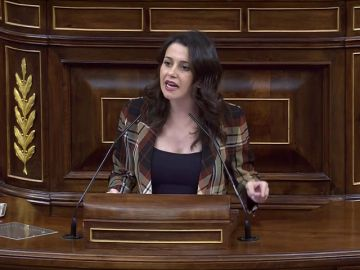 """Inés Arrimadas rechaza una investidura a Pedro Sánchez: """"Los españoles tienen más memoria y coherencia que usted"""""""