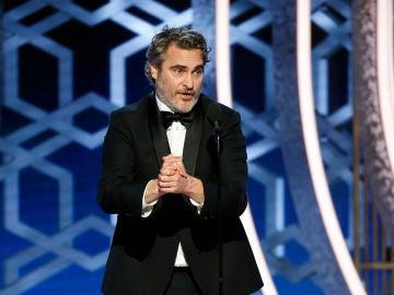 Joaquin Phoenix en los Globos de Oro 2020