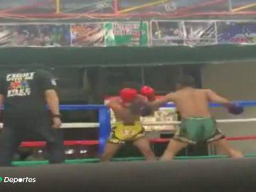 El derechazo viral con el que un luchador de muay thai noqueó a su rival