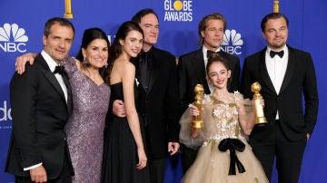 El equipo de 'Érase una vez... en Hollywood' en los Globos de Oro