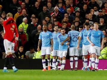 Los jugadores del City celebran un gol en Old Trafford
