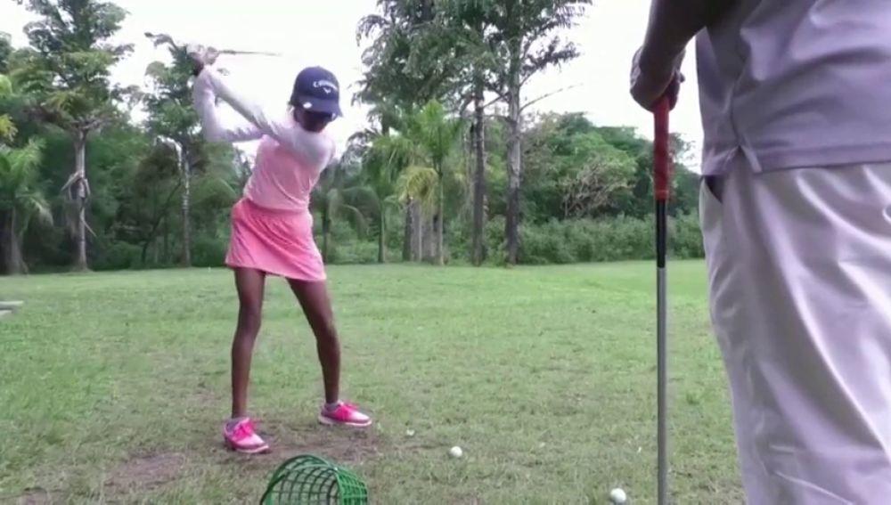 Iyene Essien, la niña nigeriana que quiere hacer historia en el mundo del golf