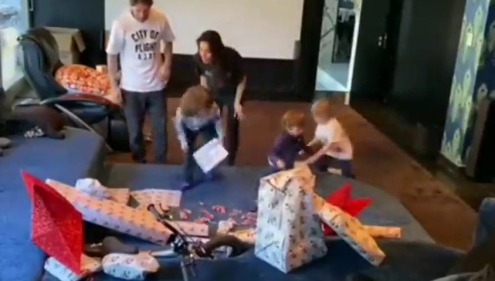 Sergio Ramos graba con una cámara oculta la ilusión de sus hijos por los Reyes Magos