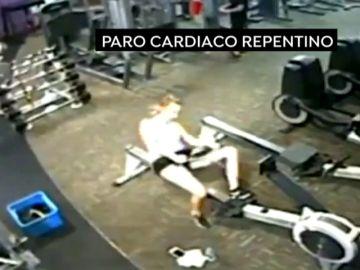 Una joven sufre un paro cardíaco mientras hacía ejercicio en el gimnasio
