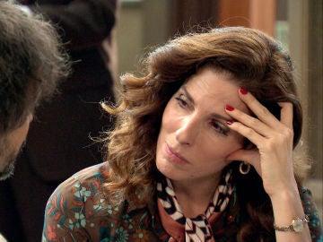Julia, tremendamente traicionada se desahoga con Guillermo