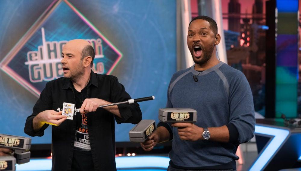 Jandro deja sin palabras a Will Smith y Martin Lawrence con un truco de magia insólito
