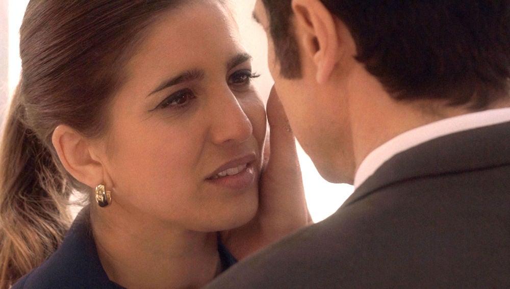 Irene le cuenta a Julia cómo comenzó su relación clandestina con Armando
