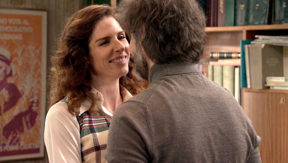 Julia, feliz y enamorada ajena a las sospechas de Guillermo