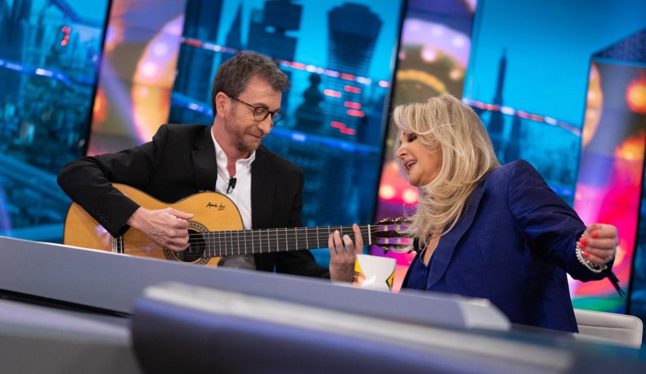 Bonnie Tyler interpreta su mítica 'It's a heartache' con Pablo Motos a la guitarra en 'El Hormiguero 3.0'