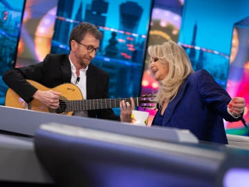 Bonnie Tyler interpreta su mítica 'It's a heartache' con Pablo Motos a la guitarra en 'El Hormiguero 3.0'