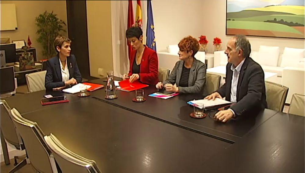 Los socialistas pactan los presupuestos de Navarra con Bildu