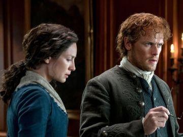 Claire y Jamie en 'Outlander'