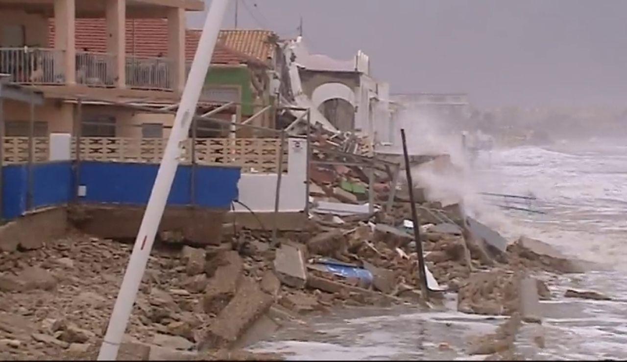 La borrasca 'Gloria' arrasa la costa y provoca importantes daños en Dénia y Peñíscola