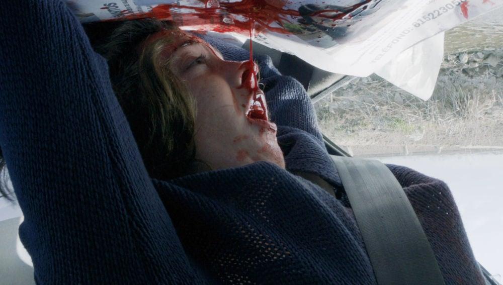 Inma sufre un grave accidente de coche durante la búsqueda de su hija